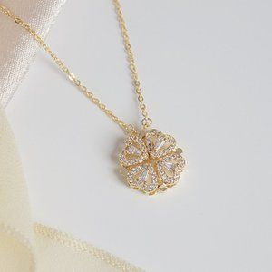 NEW 14K Gold Plated Diamond Clover Necklace a